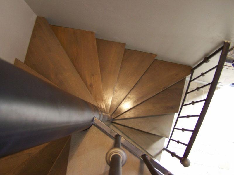 les-maisons-de-la-mer-labri-de-la-noe-escalier